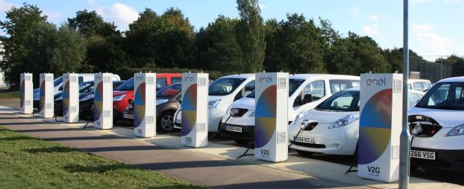 """Auto elettriche, ora possono """"rivendere"""" energia. Il progetto delle utility  europee - Il Fatto Quotidiano"""