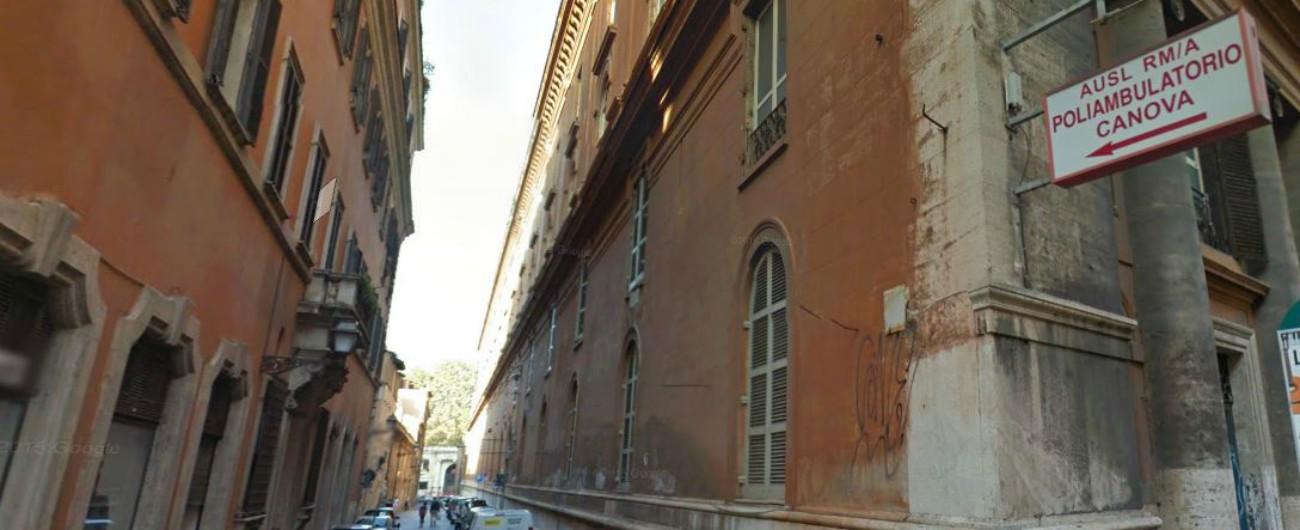 """Roma, ex ospedale San Giacomo in (s)vendita per 61 milioni: """"Dalla Regione Lazio un regalo, rischio speculazione"""""""
