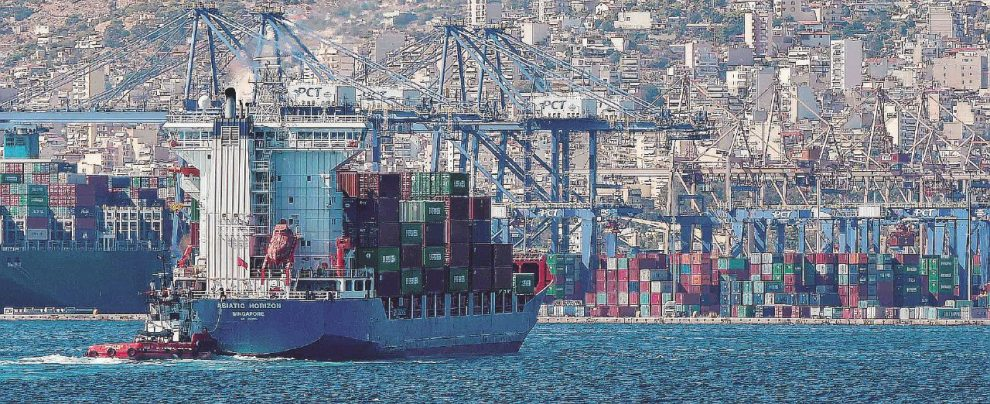 Porti Spa, con l'idea leghista di aprire ai privati si rischia una svendita in stile Pireo