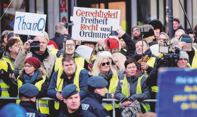 Macron-Merkel, dietro il trattato non c'è nulla
