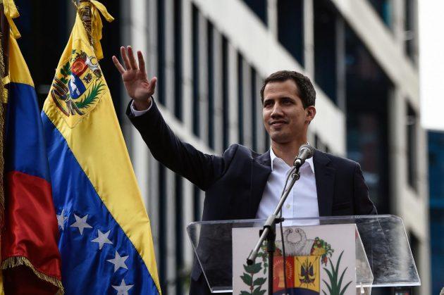 La tragedia del Venezuela: due presidenti in carica e nessun