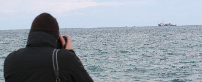 Qui a Siracusa davanti alla Sea Watch 3 che non sbarca e alla Sicilia da cui si scappa