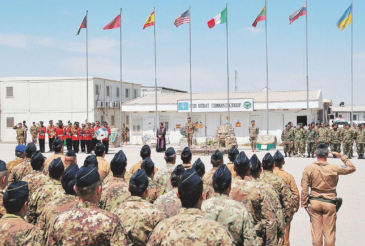 In Edicola sul Fatto Quotidiano del 29 Gennaio: Afghanistan. Trump si ritira, in Italia si litiga