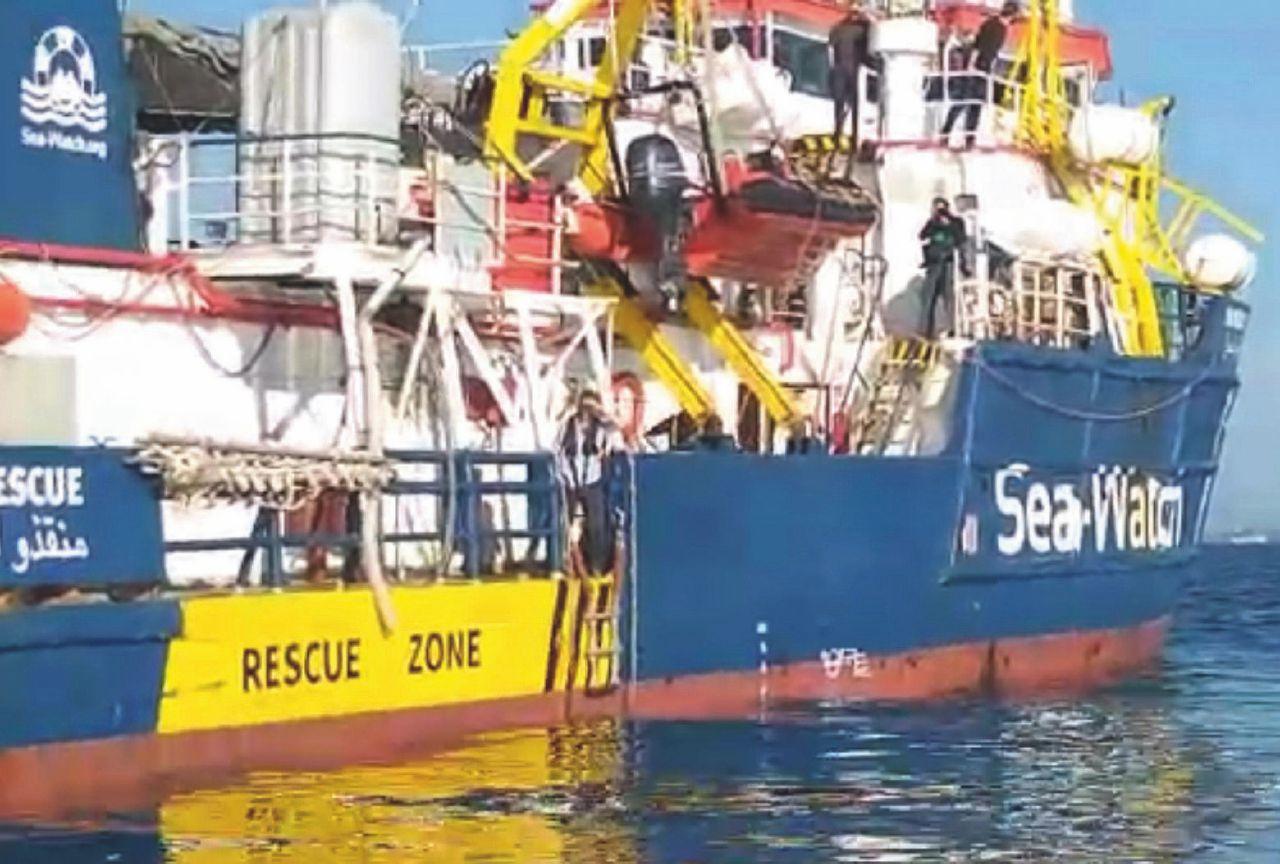 Sea Watch: Salvini rischia se i minori non sbarcano