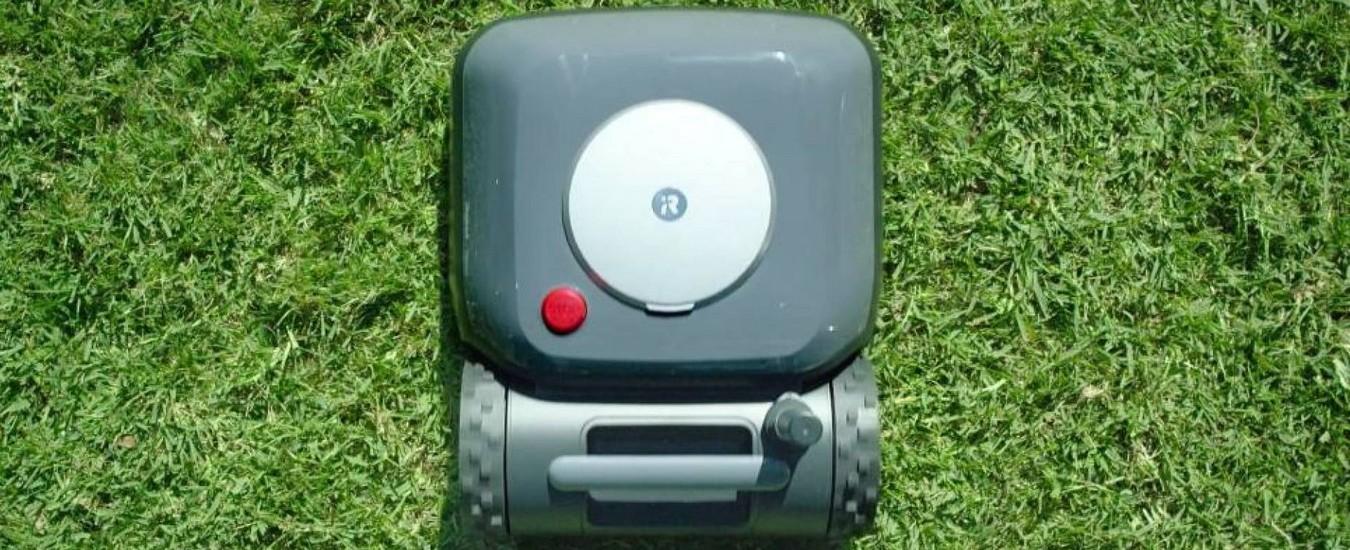 Rasare l'erba è una scocciatura? iRobot promette di dare un taglio al problema con il robot automatico Terra