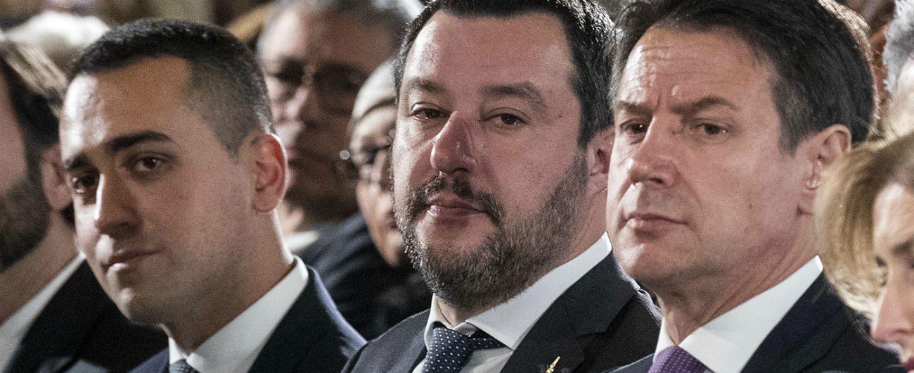 """Recessione, Di Maio: """"Chi c'era prima ha mentito, mai fuori dalla crisi"""". Pd e Fi: """"Colpa del governo della propaganda"""""""