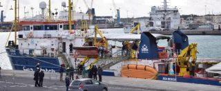 """Sea Watch, Guardia costiera: """"Nave viola norme su sicurezza e ambiente"""". La Ong: """"Mossa politica per bloccare i soccorsi"""""""