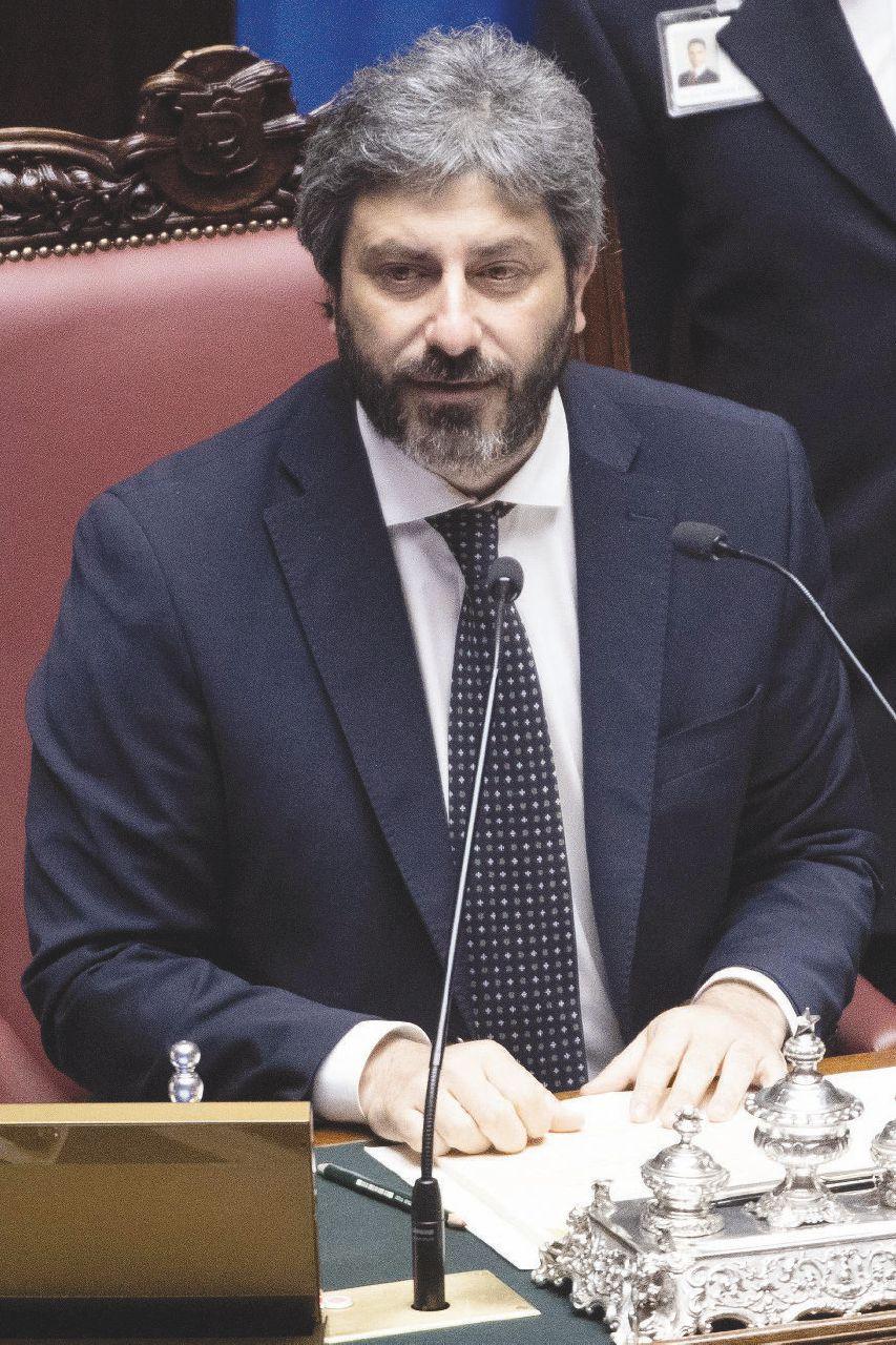 """In Edicola sul Fatto del 4 Febbraio. Fico: """"Se fossi Salvini, mi farei processare"""""""