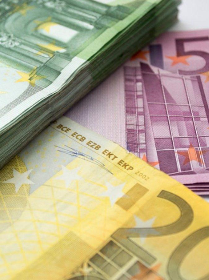 660ac5df2e Trova 800 milioni di lire nella cassetta del padre ma la Banca d'Italia non  glieli converte (mentre Parigi cambia i franchi)