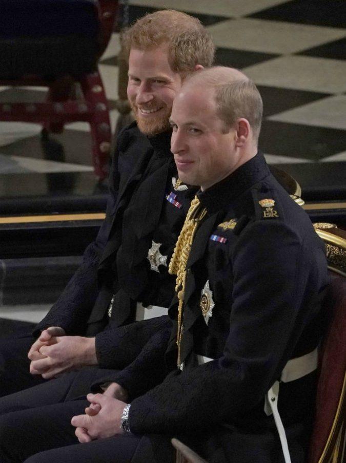 Harry e William, ecco perché i due fratelli si sarebbero divisi. C'entra Meghan…
