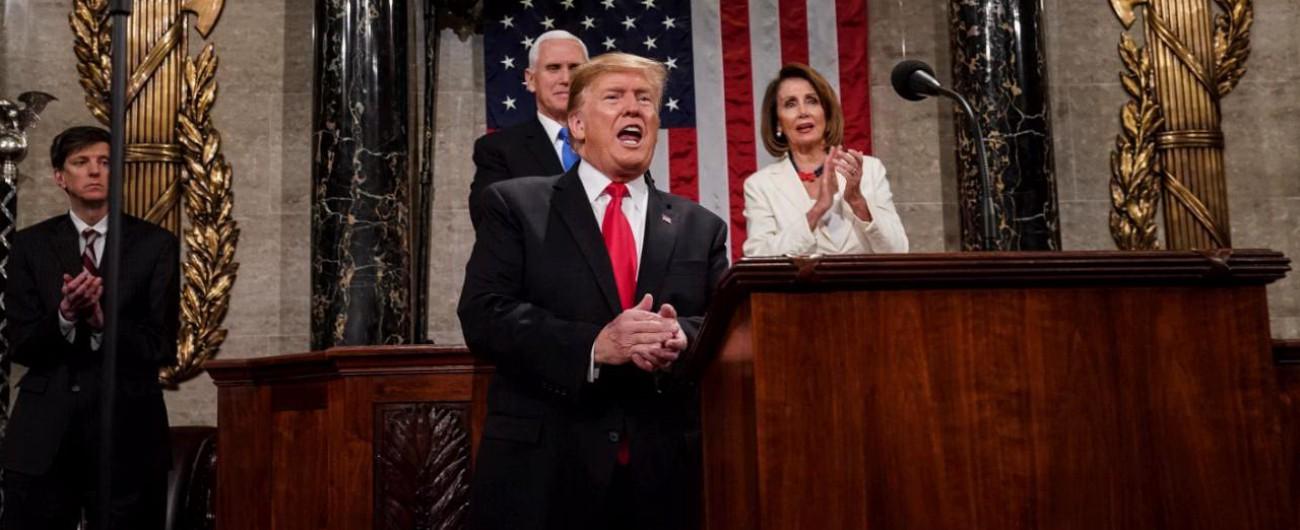 """Stato dell'Unione, Trump chiama alla cooperazione ma attacca i democratici e insiste: """"Il Muro con il Messico si farà"""""""