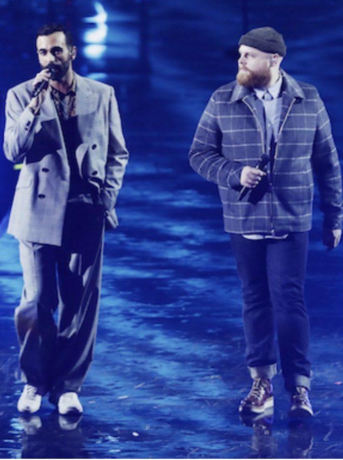 """Sanremo 2019, Mengoni sul palco dell'Ariston con Tom Walker: ecco chi è il cantautore scozzese  che canta con lui """"Hola"""""""