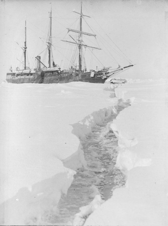 Londra, venduto all'asta per 160mila euro lo slittino della pazza missione di Shackleton che portò l'uomo all'estremo sud del mondo