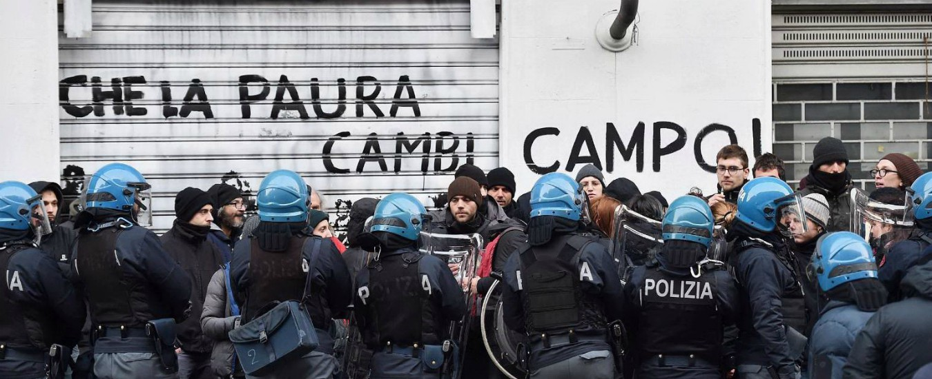 Torino, sgomberato centro sociale occupato da 24 anni: arrestati sei anarchici. Sono accusati di terrorismo