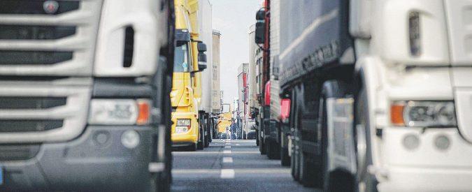 """Tav, """"emergenza tir""""? Ogni giorno 2100 camion dal Frejus, un terzo di quelli della semideserta Brebemi"""