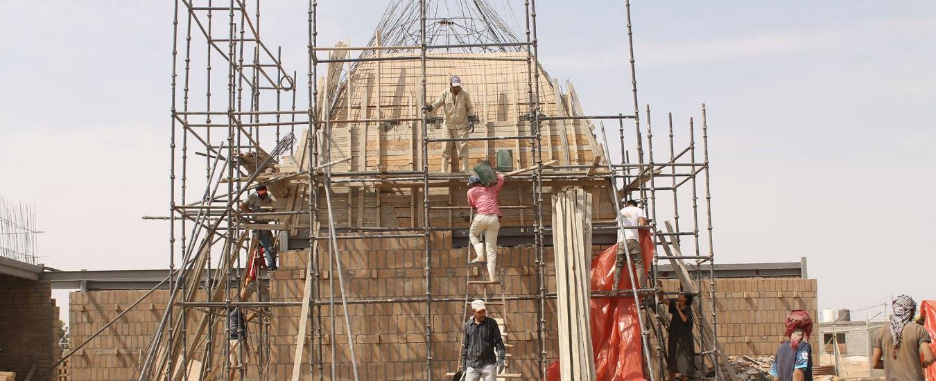 Migranti: mentre i politici fanno slogan, artisti e architetti li 'aiutano a casa loro'. Per davvero