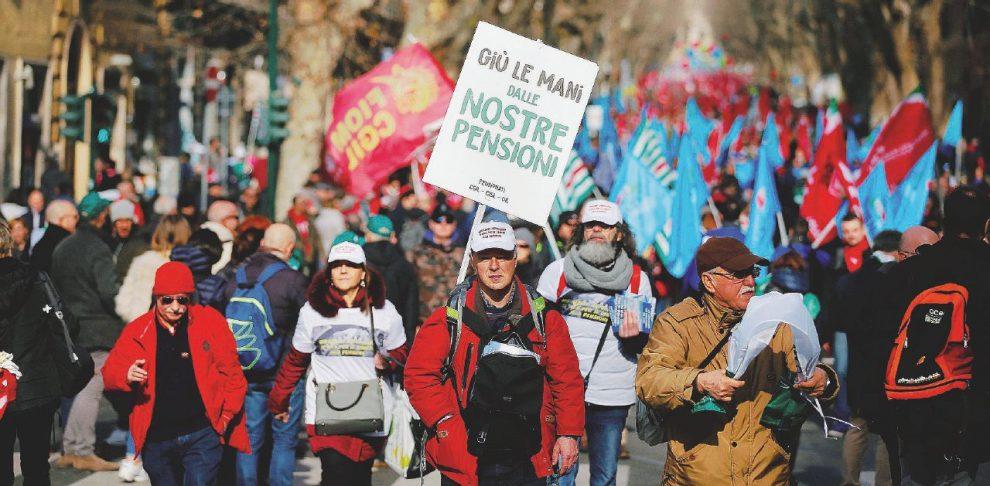 Le tre sigle – Sono scese in piazza a Roma, per la prima volta unite dopo molto tempo, Cgil, Cisl e Uil – LaPresse