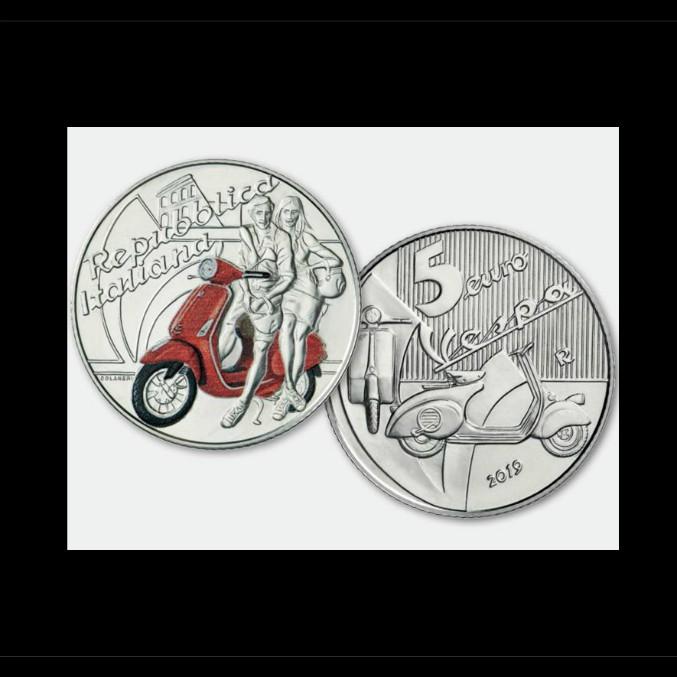 Vespa, i suoi primi 70 anni su una moneta da 5 euro