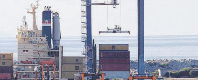 Crisi al Porto di Gioia Tauro:  dopo i 377 lavoratori a casa, c'è il rischio di altri licenziamenti