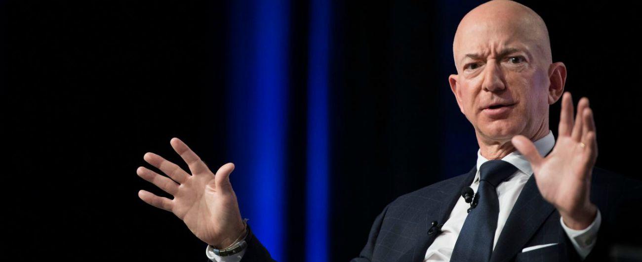 """Amazon rinuncia a New York, la seconda sede sarà in un'altra città. Ocasio-Cortez esulta: """"Sconfitta l'avidità"""""""