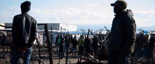 San Ferdinando, rogo in baraccopoli: muore 28enne. Salvini: 'Sgomberiamo migranti, no illegalità'. Ma lo dice da un anno
