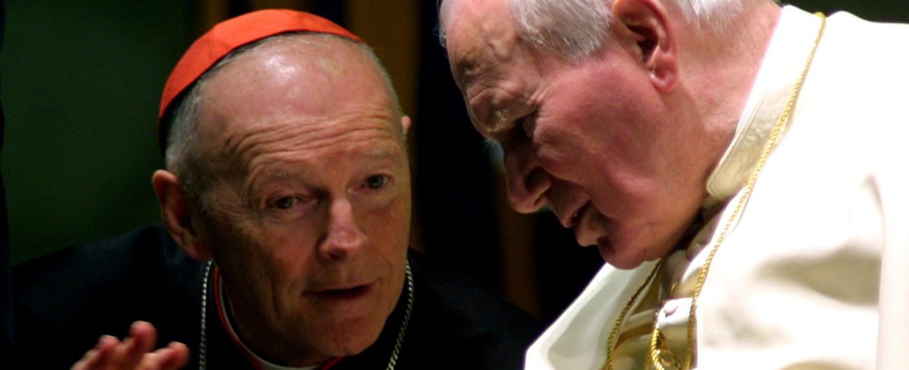 Pedofilia nella Chiesa, il Papa riduce allo stato laicale l'ex cardinale di Washington McCarrick: è la prima volta nella storia