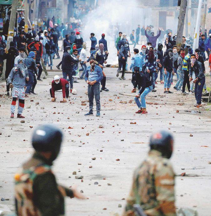 Fra l'India e il Pakistan. Allah contro induismo: quei jihadisti in Kashmir
