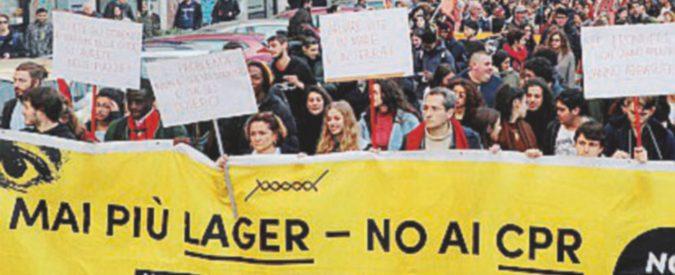Diecimila in marcia contro la riapertura di via Corelli. Flash mob in piazzale Loreto