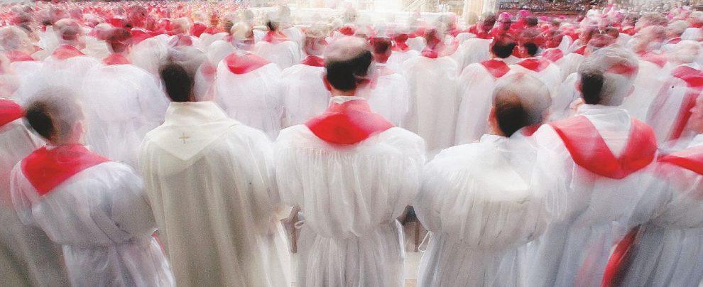 """""""Sodoma"""", il libro che rivela i segreti gay del Vaticano"""