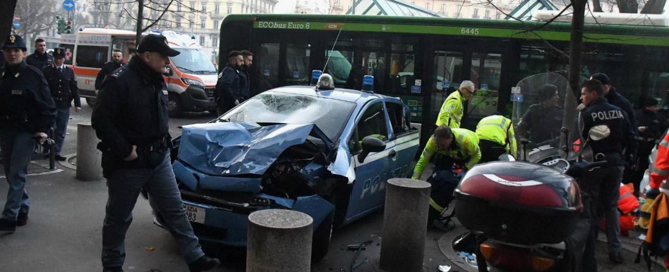 Milano, malore per conducente di autobus che sperona auto della polizia: tre agenti feriti
