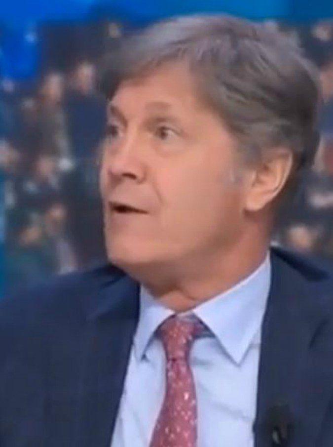"""Fulvio Collovati: """"Wanda Nara? Una donna che parla di tattiche mi fa rivoltare lo stomaco"""". Polemiche sui social"""