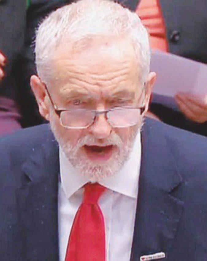 Frana Labour su Corbyn: 7 dimissioni