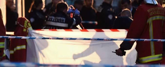 """Marsiglia, uomo accoltella i passanti: ucciso dalla polizia. Il procuratore: """"Non è terrorismo"""""""