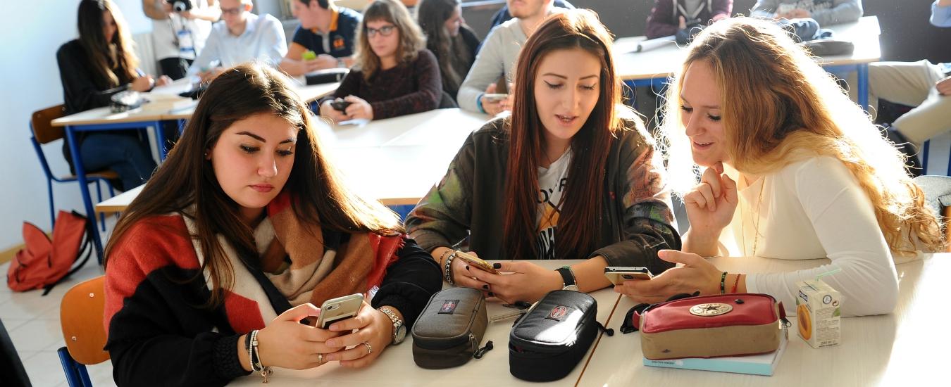 I cellulari in classe sono molto utili, ma non solo per la didattica