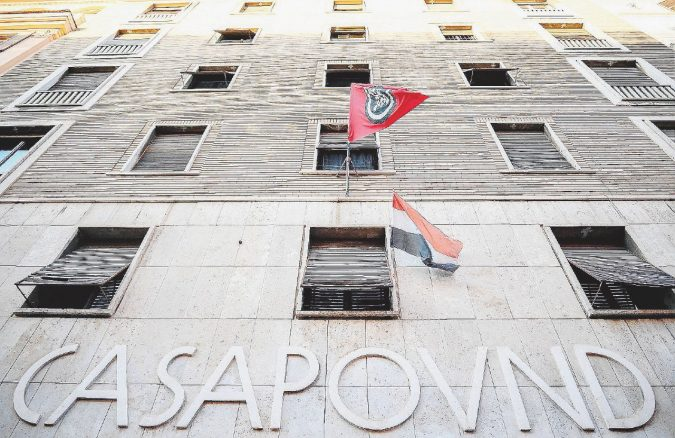 """Il Tesoro salva CasaPound dallo sgombero: """"Stabile in buone condizioni, altre priorità"""""""
