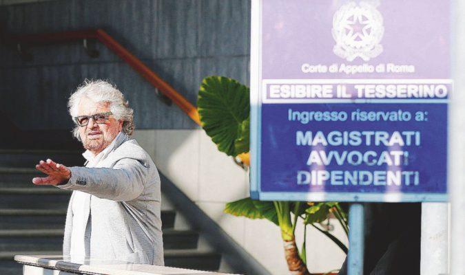 """Grillo al processo contro il primo dissidente: """"Io e Gianroberto? Mai fatto nulla per soldi"""""""