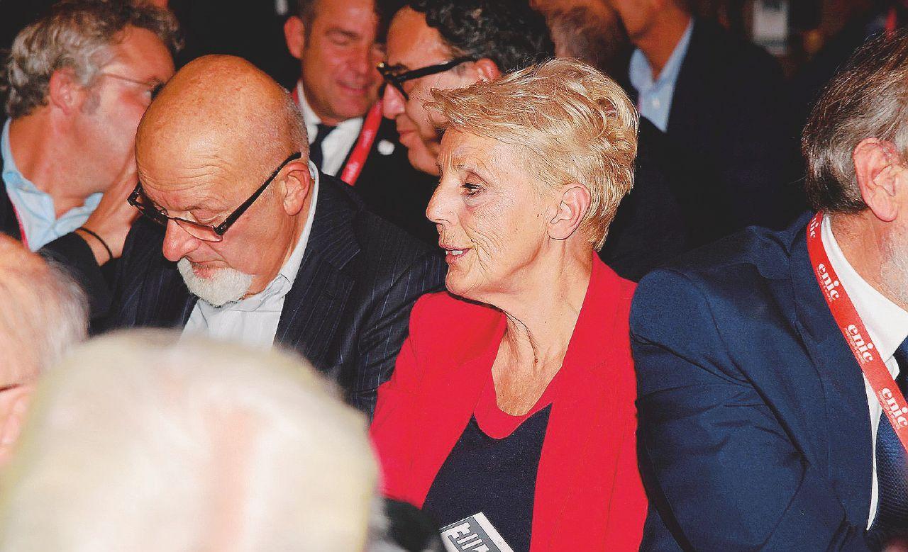 In Edicola sul Fatto: chiesto fallimento per l'ultima delle 3 aziende per cui Tiziano e Lalla sono accusati