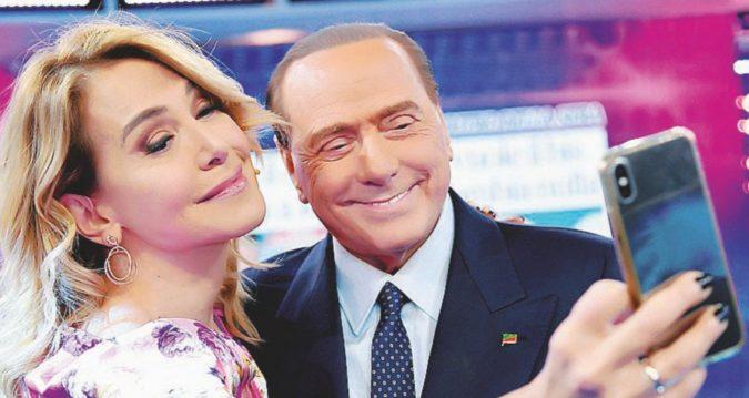 """Mediaset """"ignora"""" Silvio: FI è finita, pensi all'azienda"""