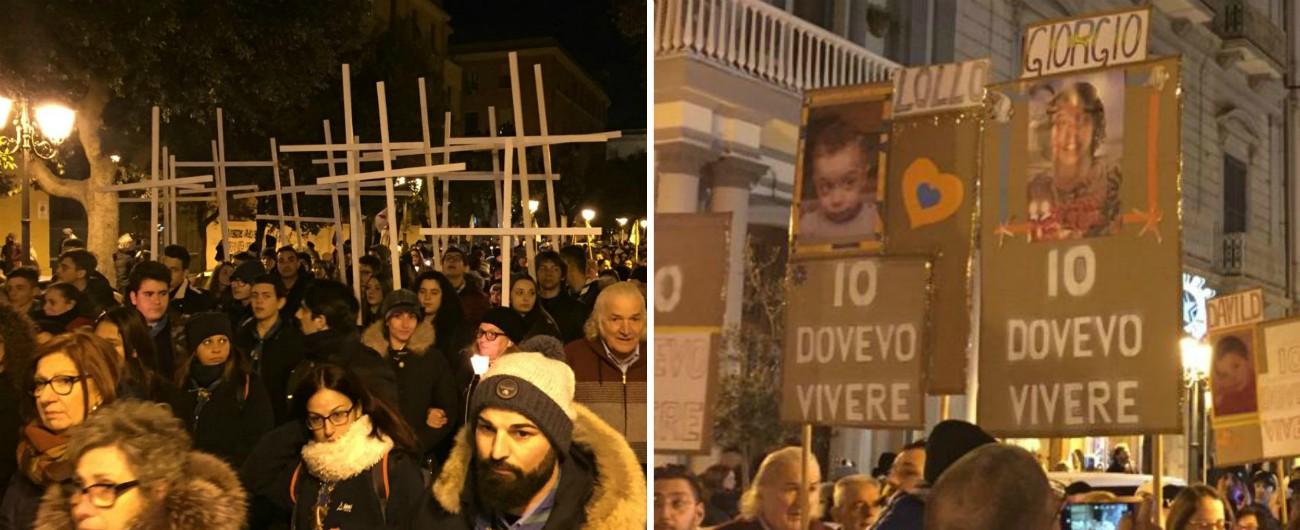 Ex Ilva, migliaia in corteo a Taranto per ricordare bimbi morti per inquinamento. Peacelink: 'Emissioni aumentate nel 2019'