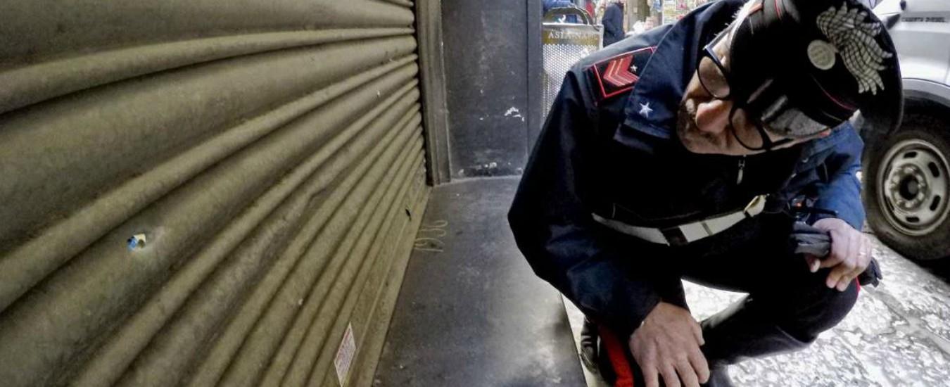 Napoli, quattro colpi di pistola sulla pizzeria Di Matteo. La camorra mette nel mirino i simboli