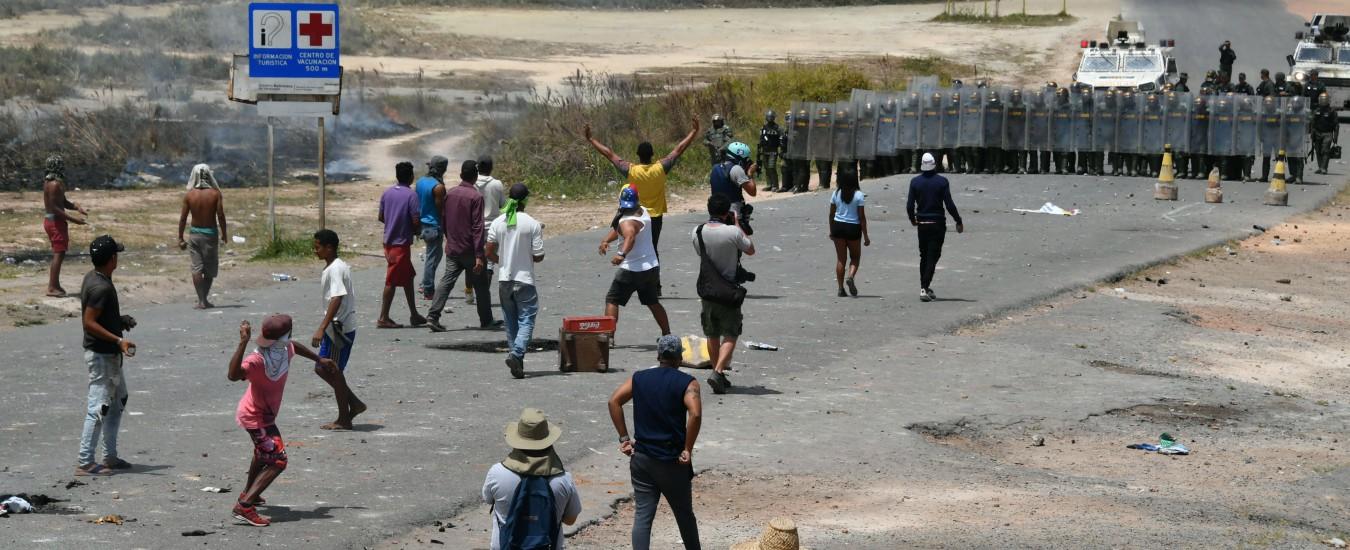 """Venezuela, respingimento degli aiuti e scontri al confine: """"25 morti in 48 ore"""""""