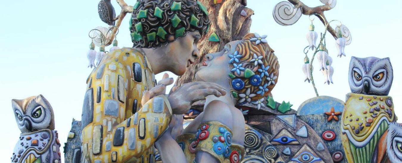Carnevale, un bacio gay divide Putignano. Il bigottismo non ci abbandona mai
