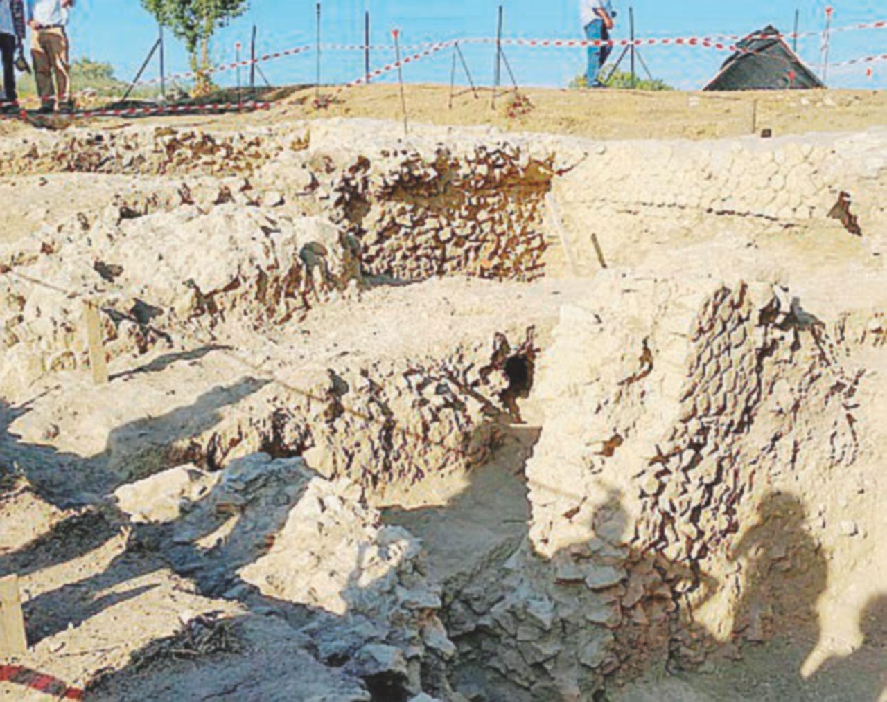 """Nuovi scavi intorno alla tomba del """"bambino vampiro"""" (dove anche Attila dovette fermarsi)"""