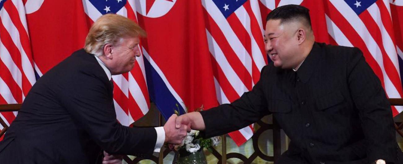 """Trump-Kim, la stretta di mano ad Hanoi Tycoon: """"Nord Corea, potenziale infinito Dichiarazione di fine guerra? Vedremo"""""""