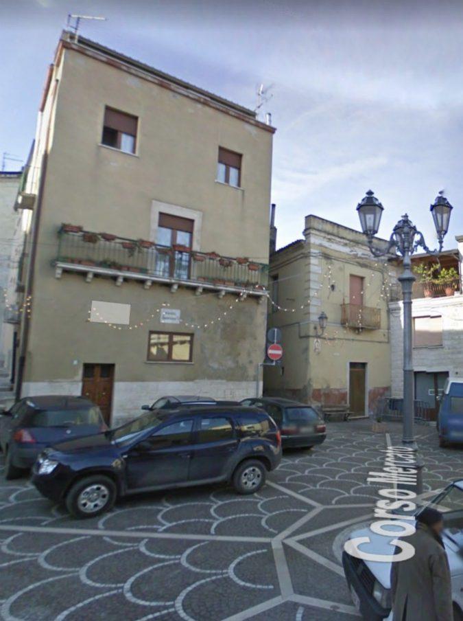 Puglia, c'è un borgo che offre un mese di vacanza gratis ad agosto a chi lo promuove sui social