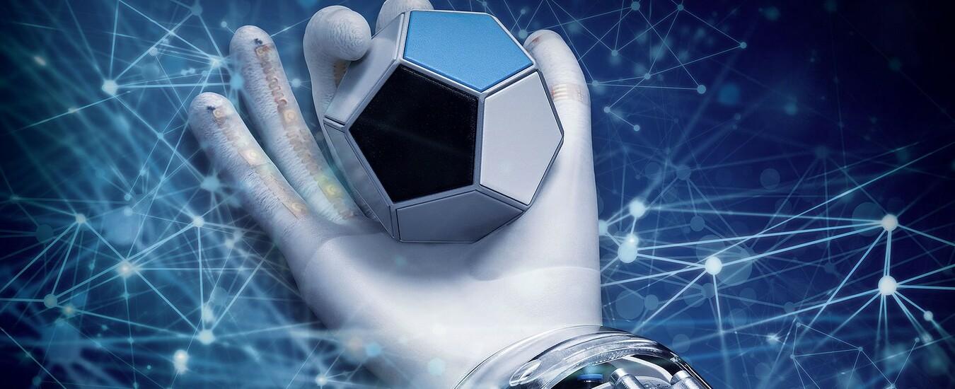 La mano robotica impara da sola a manipolare gli oggetti grazie all'Intelligenza Artificiale