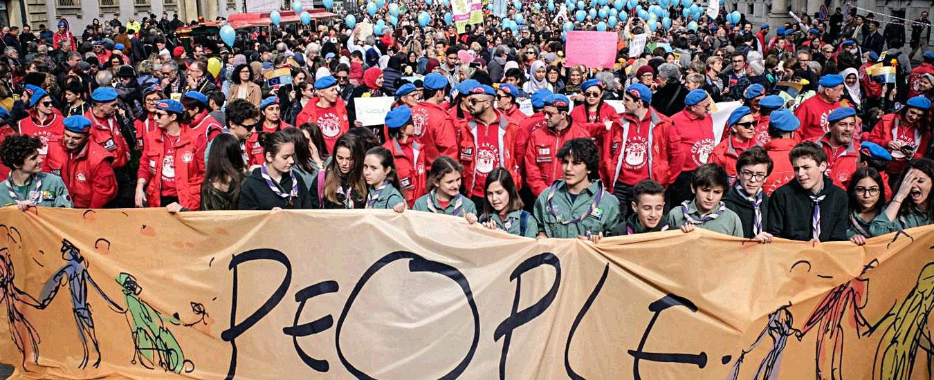 """People, """"200mila persone"""" in piazza a Milano per manifestare contro il razzismo. Il sindaco Sala: """"Questa è la nostra Italia"""" – FOTO e VIDEO"""
