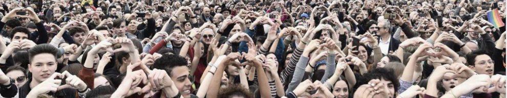 """People, """"200mila persone"""" in piazza a Milano contro il razzismo. Sala: """"Un'altra Italia"""", Salvini: """"Messaggio al governo dato con il voto"""""""