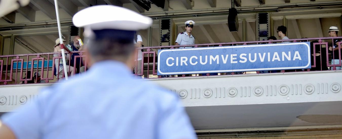 Violenza in ascensore Circumvesuviana, scarcerato dal Riesame uno dei fermati
