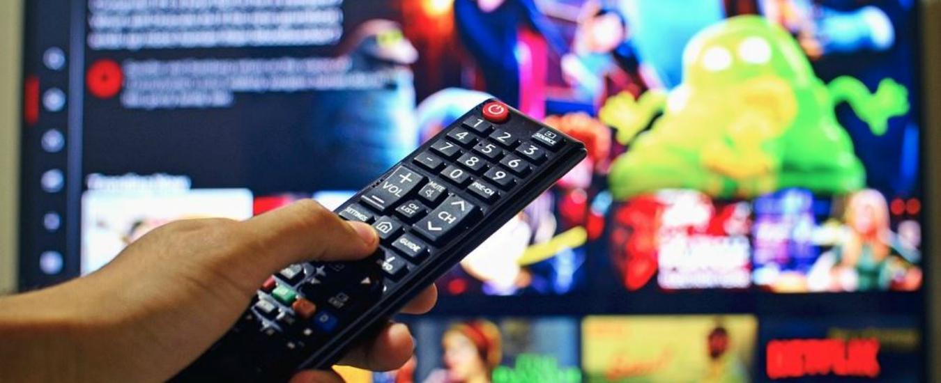 Tv, meno spettatori vuol dire meno pubblicità. Chi sopravvivrà al calo degli ascolti?